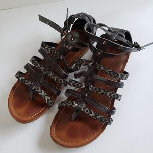 Roxy gladiator sandals size 8 black print
